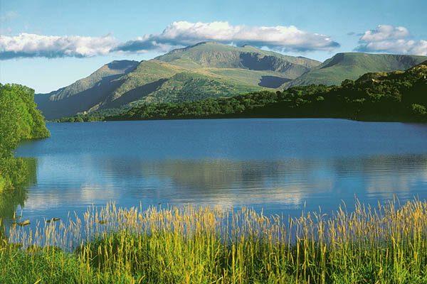 lago más largo del mundo
