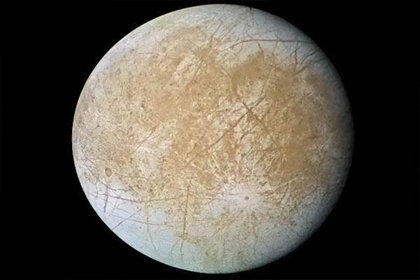 satelites más grandes del sistema solar